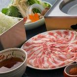豚肉は0.8ミリの薄さにカット。繊細な口溶けをご堪能ください