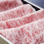 滋賀県が誇る日本三大ブランド牛「近江牛」。独自ルートで仕入れるA4ランク以上の認証近江牛を使用します。