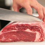 当店のスタッフは肉の扱いに長けた「肉のプロ」。精肉店直営ならではの上質なお肉をご提供