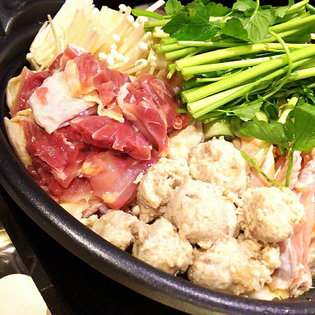 冬季限定【黄金スープの地鶏鍋】ご予約承ります