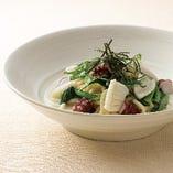 イカ・タコと小松菜の和節出汁クリーム