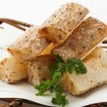 皮付き長芋のフライドポテト トリュフ塩にて