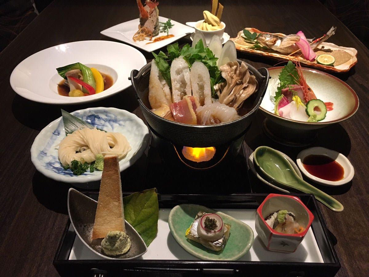 秋田の郷土料理会席。 秋田の旬食材、地酒もご提供いたします!