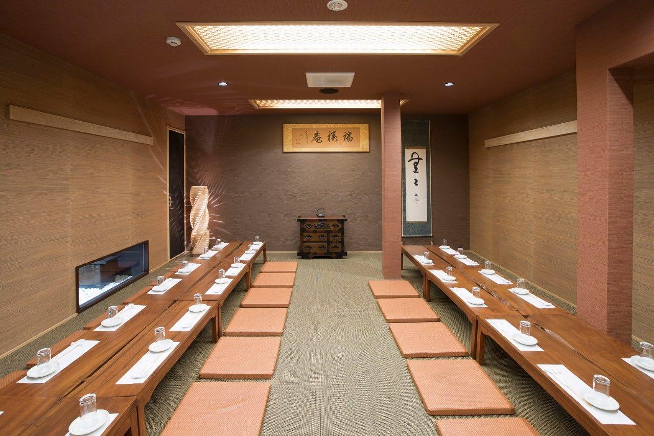 個室は5名~最大45名様まで各個室をご用意しています。完全個室