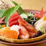 獲れたての味わいをそのままに!産地直送で仕入れる天然鮮魚