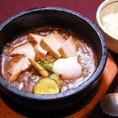 ◎とろ~り豚角煮カレー丼
