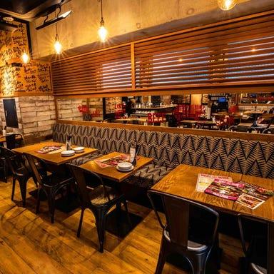 MEAT&WINE WINEHALL GLAMOUR NEXT 西新宿 店内の画像