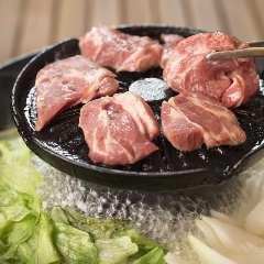 ラム肉専門店 隣のロッヂ