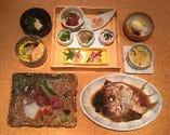 【お祝い会席】 櫻宴では、敬老のお祝いやお食い初め、その他慶事などに幅広くご対応致します。