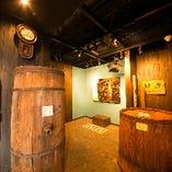 歴史深い展示に触れたあとは「櫻宴」をバックにあなただけのオリジナル酒ラベルを作ってみませんか