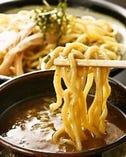 濃厚スープが後を引く! 五郎蔵つけ麺、極みの一杯!