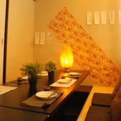 海鮮と産地鶏の炭火焼き うお鶏 沼津駅店 店内の画像