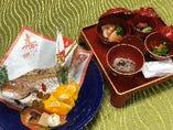 お食い初め膳(歯固めの石付き)¥1,650 鯛尾頭¥2,750~