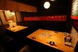 【1F:テーブル席】半個室テーブル4名席×2