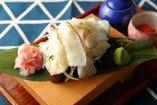 炙りえんがわのこぼし太巻寿司