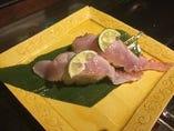 金目鯛昆布〆炙り寿司 酢橘と土佐の塩丸