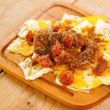 トマトバジルソースのチーズトンペイ焼き