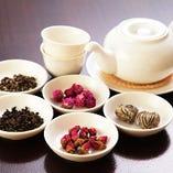 女性に人気の中国茶。種類豊富にご用意しております。