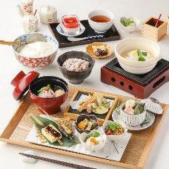 豆富料理と吟醸せいろ蒸し 八かく庵 ミント神戸店
