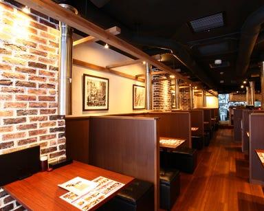 炭火焼肉・韓国料理 KollaBo (コラボ) 新宿店 店内の画像