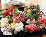 新鮮なお刺身が昼の11時30分 から食べられる!