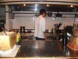 料理以上に楽しいスタッフが皆様をお待ちしております。