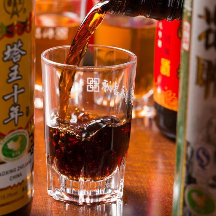 中華と相性抜群!3年から15年ものまで、約6種の紹興酒をご用意