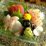 沖縄美ら海の恵み!県産魚の刺身三点盛り合わせ