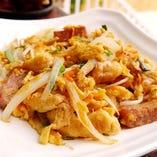 うら庭自慢の沖縄料理!沖縄旅行の思い出を彩ります