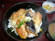魚料理店ならでは地魚天丼