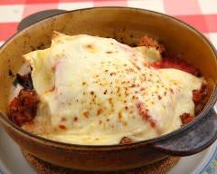 お肉と分厚いチーズのラザニア