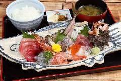 清水港魚河岸 漁師めし 岸家 (きしや)
