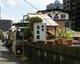 浅草橋のすぐ近く、 神田川沿いに屋形船あみ新はあります