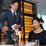 ソムリエが選ぶ世界のワインを当店自慢の料理と共にどうぞ!