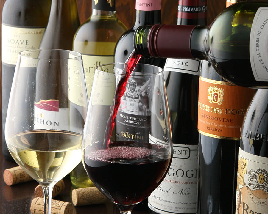 一本一本吟味!料理演出の厳選ワイン