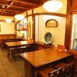◆宴会・飲み会にもオススメのテーブル席◆落ち着いたテーブル席でゆっくりお食事を。