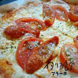 ピリ辛ソーセージとフレッシュトマトのピザset
