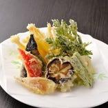 季節の野菜天ぷら盛合せ