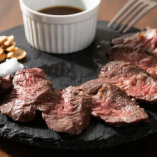 レアでも楽しめる上質なお肉をお好みの焼き加減で堪能できます