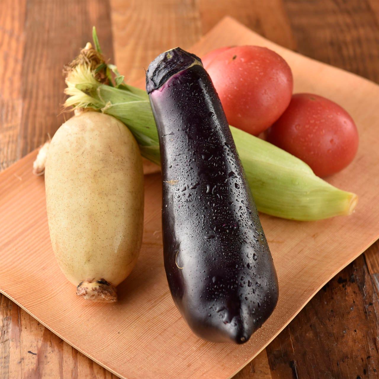 お肉だけではなく、旬の野菜など熊本直送の食事をふんだんに使用