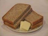 自家製ライ麦パン