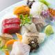 長崎県上五島より毎日仕入れる天然鮮魚のお刺身は絶品です。
