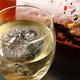 女性に人気の、丸氷で楽しむ豊富な果実酒。