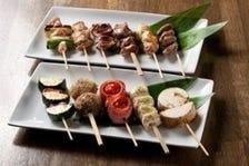 炭火で焼いた鶏串と自慢の野菜串