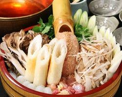 秋田県直送地元本番のきりたんぽ鍋