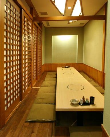 完全個室 比内地鶏・和食割烹 灯り家 日本橋本店 店内の画像