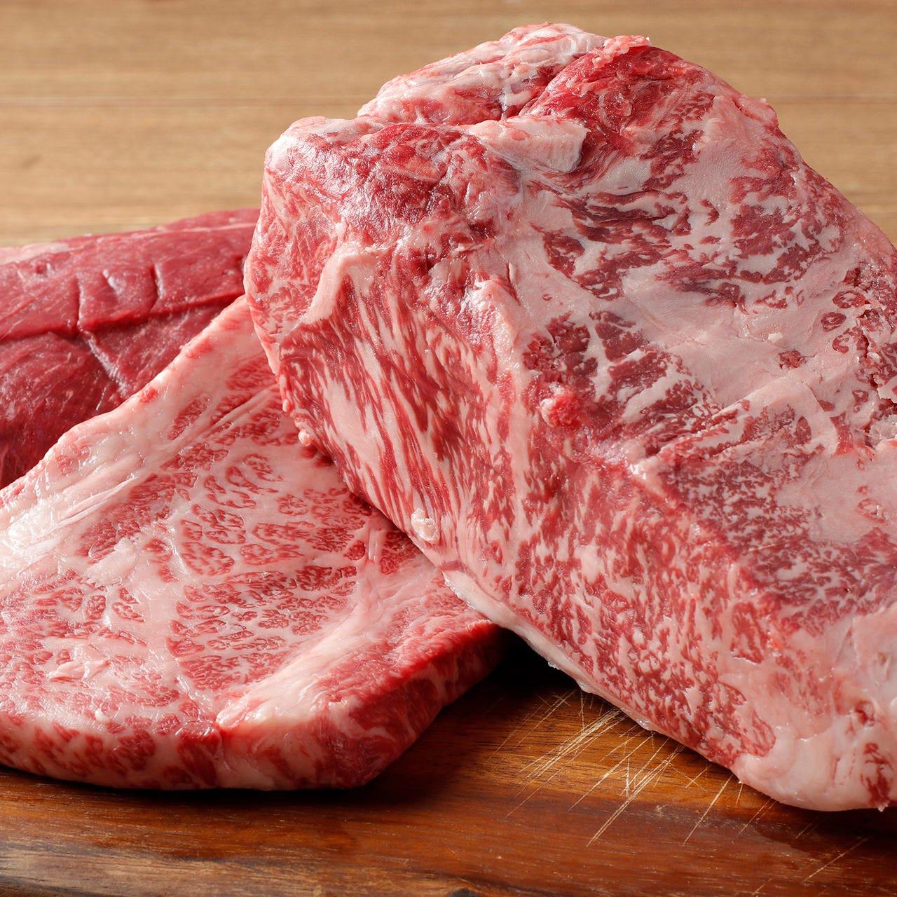赤身の旨味を堪能!南島原牛ステーキ
