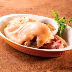 アイスバイン(豚スネ肉の柔らか煮)