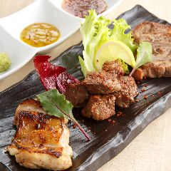 楽蔵の3種肉盛り