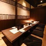 専属デザイナー監修の豊富な完全個室・和の落ち着いた雰囲気でゆったりお寛ぎください